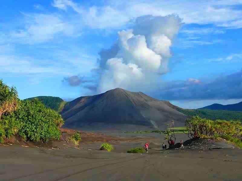 Sciency Thoughts: Increased activity on Mount Yasur, Vanuatu.